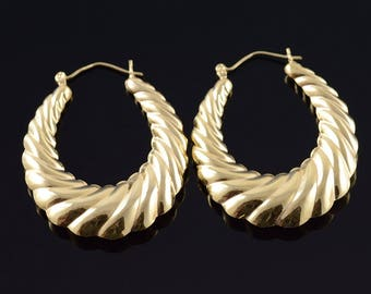 14k 43.3 mm Scalloped Oval Twist Earrings Gold