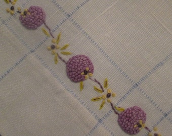 Vintage Linen Hand Towel - Embroidered Linen Towel - Gift For Her