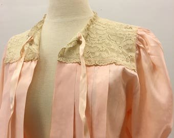 Lucky bed jacket * Vintage 1940s pale pink jacket * 40s rayon & lace lingerie