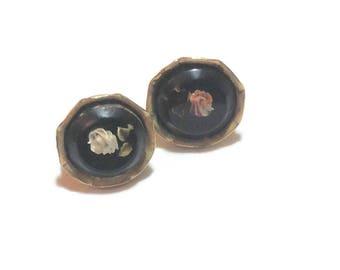 Vintage Rose Lucite Screw Back Earrings