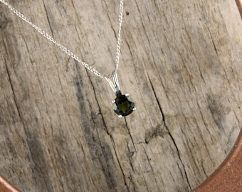 Sterling Silver Pendant/Necklace  Chrome Diopside Pendant/Necklace - 6mm Green Chrome Diopside Solitaire in Sterling Silver Setting