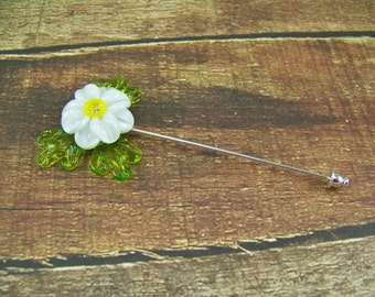 Daisy pin, shawl pin, sweater pin, hat pin, lapel pin, hair stick, boutonniere, lampwork pin, stick pin, boro glass flower, white daisy pin