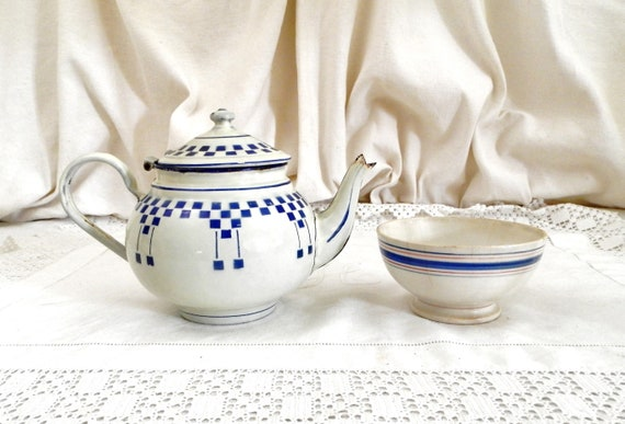 Antique French Blue and White Enamelware Lustucru Tea Pot, Vintage Retro Country Cottage Enamel Kettle from France, Shabby Retro Home Decor