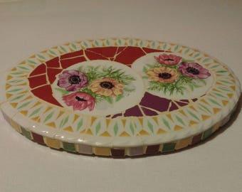 dessous de plat déco originale et unique mosaique Picassiette motif anémones