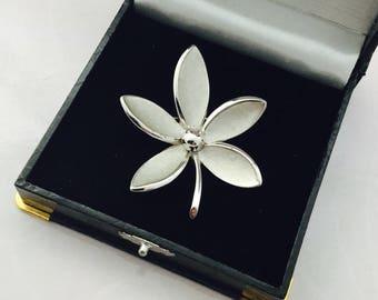 1960's Trifari Flower Brooch