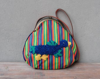 Striped Bird Bag Punch needle Embroidery Kiss-lock