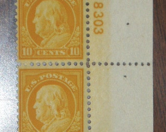 Sale 50% OFF, USA Postage Stamp #510 Pair, 10c Yellow Franklin,