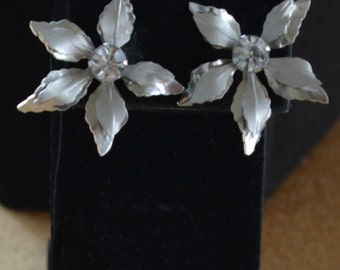 Pretty Vintage Silver tone Floral Screw back Earrings, Rhinestone, Bugbee and Niles