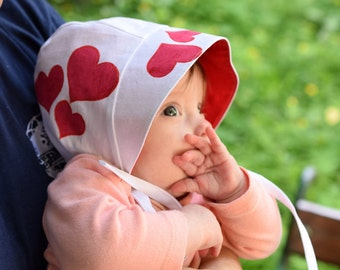 Baby sun hat, Red Hearts Bonnet, reversible summer hat, baby bonnet, sun bonnet in white and red cotton