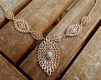 Action! Rosegold Necklace with Black Rutile