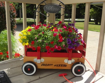 Radio Flyer Red Wagon Display Prop by Massini