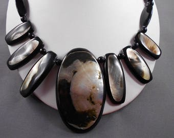 Cleopatra Black Lip Shell and Onyx Necklace and Earring Set