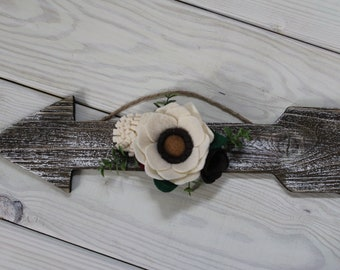 Rustic Arrow, Felt Flower Arrow, Farmhouse Decor, Gallery Wall Decor