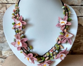 Handmade jewelry, Needle lace necklace, fower necklace, natural stone pendant