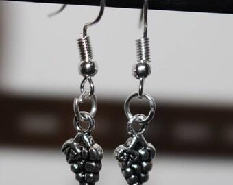 Grape bunch charm earrings