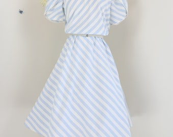 Vintage 1970s 80s Blue White Striped Midi Dress - Fit And Flare - Full Circle Skirt - M/L - Short Sleeve - Belted - Summer Spring
