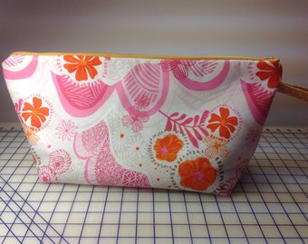 Project bag for knitting and sewing