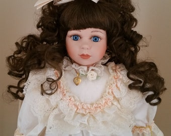 "1990 Marie Osmond Fine Porcelain Collector Dolls ""Lisa"""