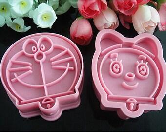 "2 molds cake cat ""Doraemon"" Cake Robot design sugar & almond paste"