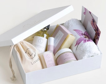 Friendship Gift Box Relaxation Spa Gift Friend Bath Gift Best Friend Gift BFF Gift Thoughtful Gift Recovery Gift Get Well Soon Gift  friend