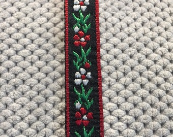Red and White Flower Choker