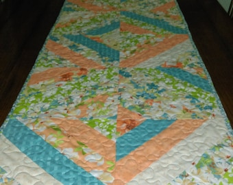 Peach & Cream Tablerunner