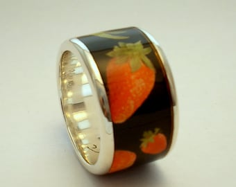 On Sale.Strawberry Fields Forever    RING