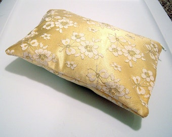 Lace Clutch in Yellow and White