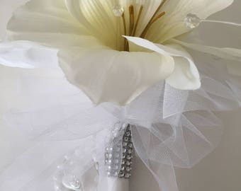 silk flower bouquets, wedding bouquets, small bouquets, white bouquets, communion bouquets, amaryllis bouquets, bridal bouquets, bridesmaids