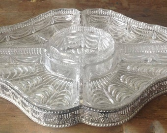 Silverplated metal platter by Viners, Sheffield with 5 glass parts