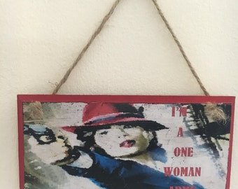 "Agent Carter ~ Handmade and handpainted ~ ""I'm a one woman army"" quote ~ wall plaque // wall art"