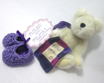 Mother's Day Pregnancy Reveal Baby Slippers, Grandma Gift, Crochet Lavender Baby Booties, Simple Infant Shoe for Photo Prop ~Shower Gift