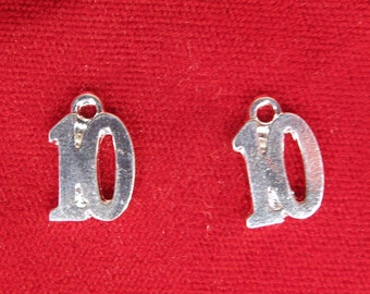 """BULK! 30pc """"number 10"""" charms in silver style (BC268B)"""