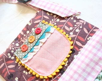 Playful Pocket Girls' Apron (size 4-6)--Frilly Apron--Girly Apron--Matilda Jane Style--Baking Gifts--Magnolia Style