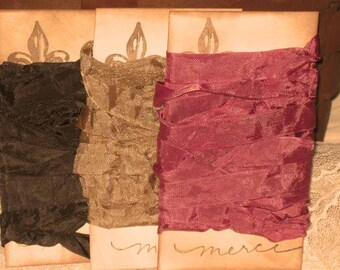French Vintage Crinkled Seam Binding Raspberry Chocolat