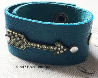 Teal and Brass Arrow Leather Cuff // Leather Bracelet // Leather Cuff // Aqua Leather Cuff // Dark Teal and Brass // Turquoise and Gold