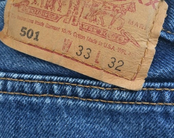 Vintage 501 Red Tab Button Fly Straight Leg Levi's USA 33 x 32