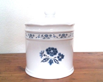 """Royal Stratford by Trenditions Lg White Canister W/ Blue Flowers-5 3/4"""" Tall"""