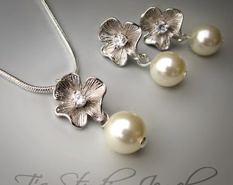 EMILY - Sweet Silver Flower and Pearl Set