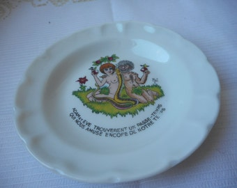 vintage Limoges porcelain round shaped ashtray with a nice picture
