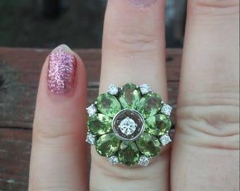 14k Gold Diamond Peridot Flower Ring Stunning