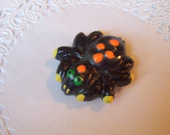 Spider magnet (818) - Halloween magnet - Halloween jewelry - Spider jewelry - refrigerator magnet - repurposed jewelry