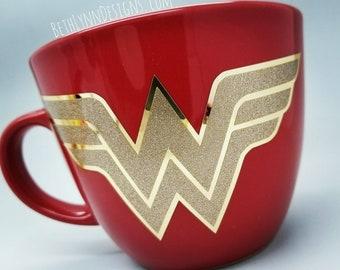 Wonder Woman Mug | Big Mug | Red mug | Gold glitter | Gold Chrome | Strong Woman | Big Mug | VINYL decal logo BOTH sides | 16 Ounces