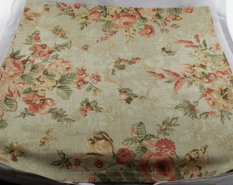 Light Green Back Ground Tablecloth w/ Pink Flowers Bouquet