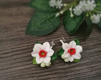 White daffodils earrings,flower earrings,romantic earrings.