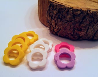 lots of silicone rings / flowers / 43mm