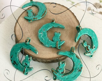 Handpainted Verdigris Patina Cat On The Moon  (18048) - 21x17mm