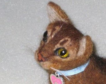 Pet Gift  Custom Cat Pin / Needle Felted Portrait of Your Pet / Personalized just for You
