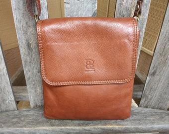 Vintage BB Florence Leather Handbag Caramel Brown Italian Shoulder Crossbody Bag Small Purse Adjustable Strap