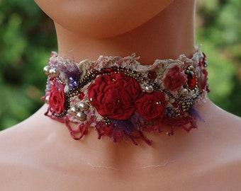 Bohemian choker, shabby chic choker, Marie Antoinette choker, Baroque choker, shabby chic textile choker, red roses choker, tattered choker